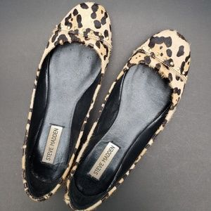 Steve Madden leopard print flats with grommets